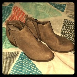 Carlos Santana Brie Ankle Boots